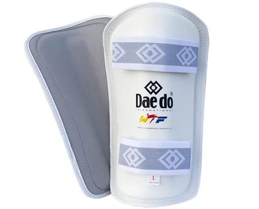 Daedo Shin Guard Competition / white
