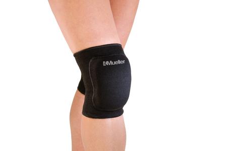 Mueller Standard Knee Pads - Shockproof Light Knee Brace - Black