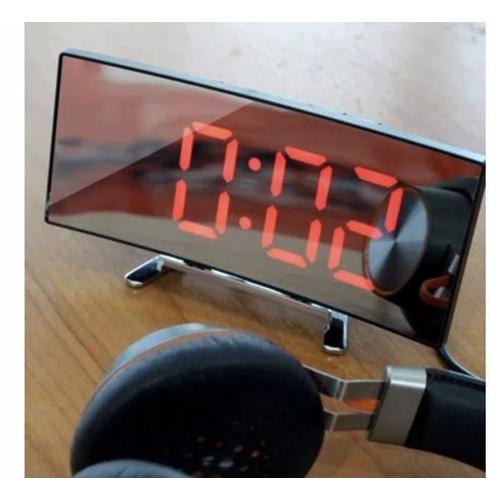ساعة منحنية